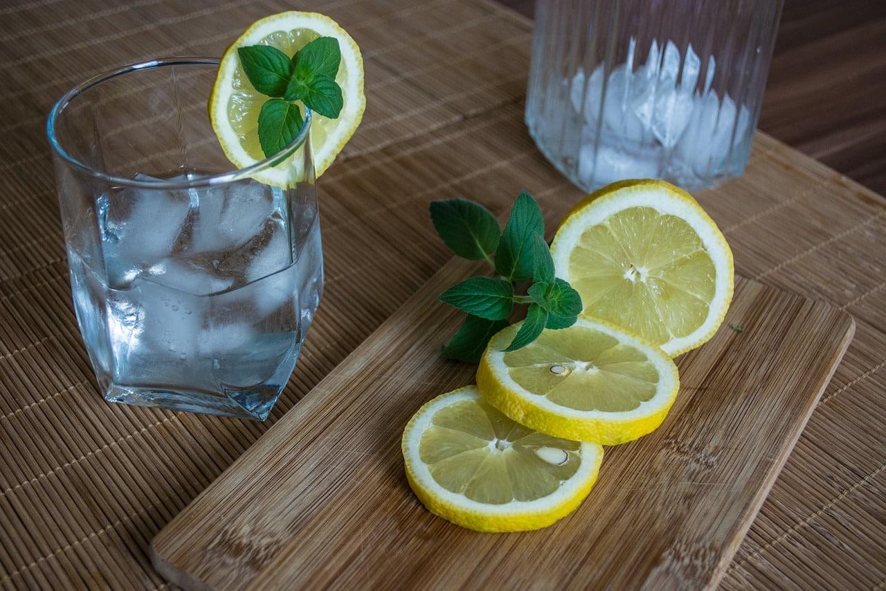 Picie wody wpływa na lepszą koncentrację