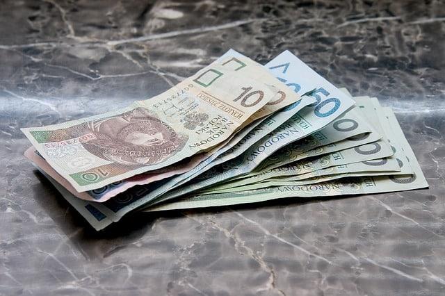 Myślisz o kredycie? Sprawdź, co warto wiedzieć