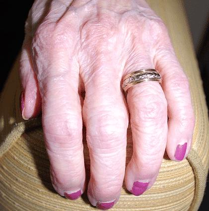 Jak dbać o dłonie jesienią?
