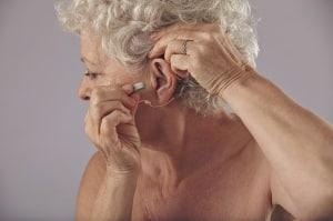 10 czynników, które wpływają na żywotność baterii do aparatów słuchowych