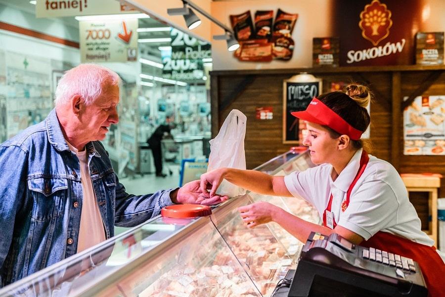 Dobra dieta dla osób starszych: mięso jako źródło białka – porady i przepisy od Sokołowa
