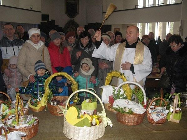 seniorzy świętują Wielkanoc