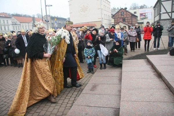 seniorzy świętują urodziny króla Kazimierza