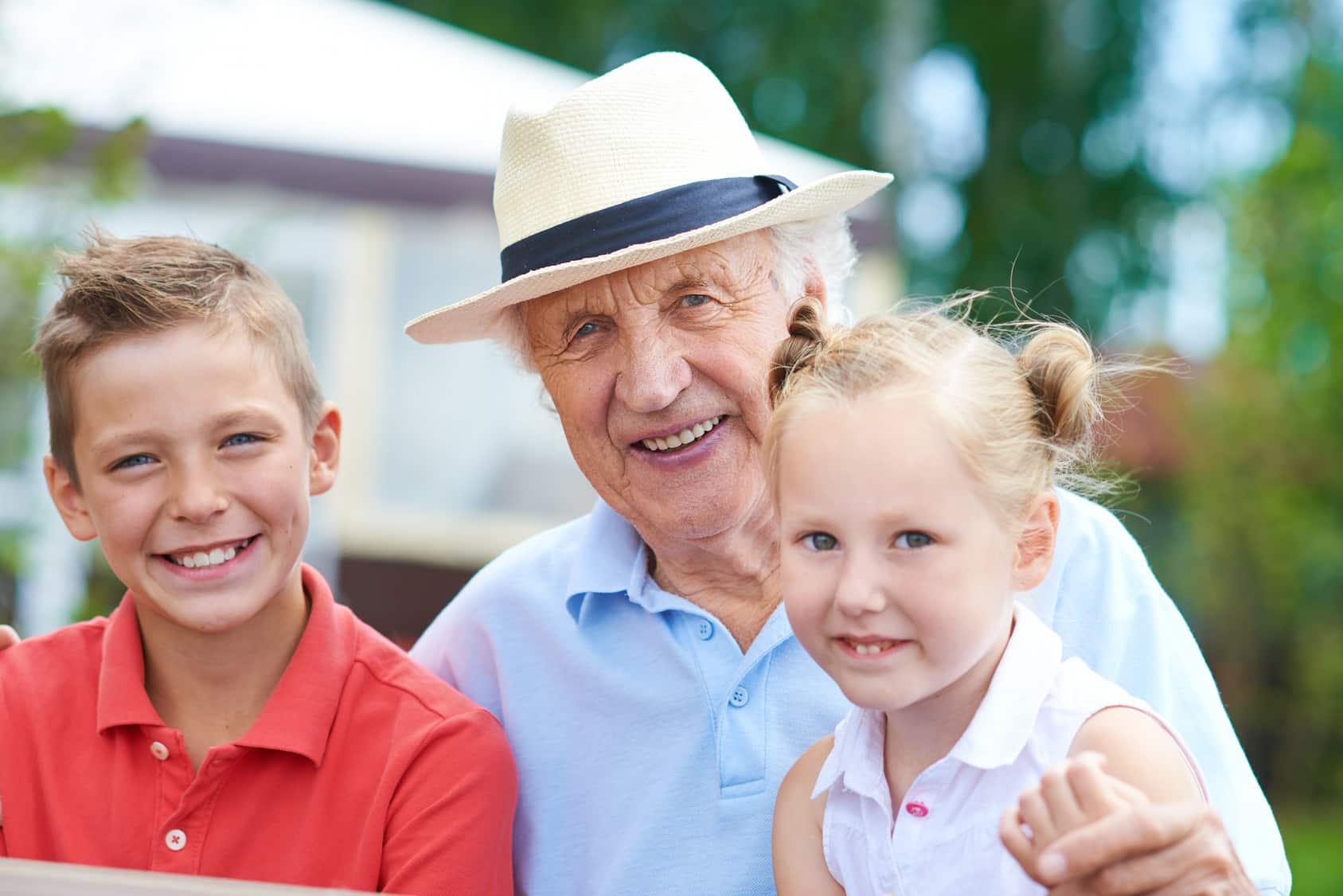 Projekt: dzieci mają nie oglądać ludzi starych i chorych