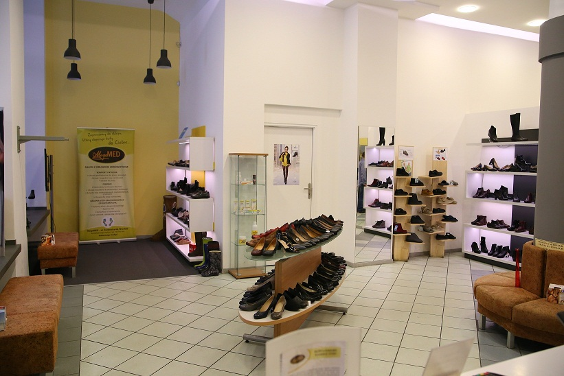 1b988034 Świdnicka 46. Salon obuwia i gabinet podologiczny pod jednym adresem ...