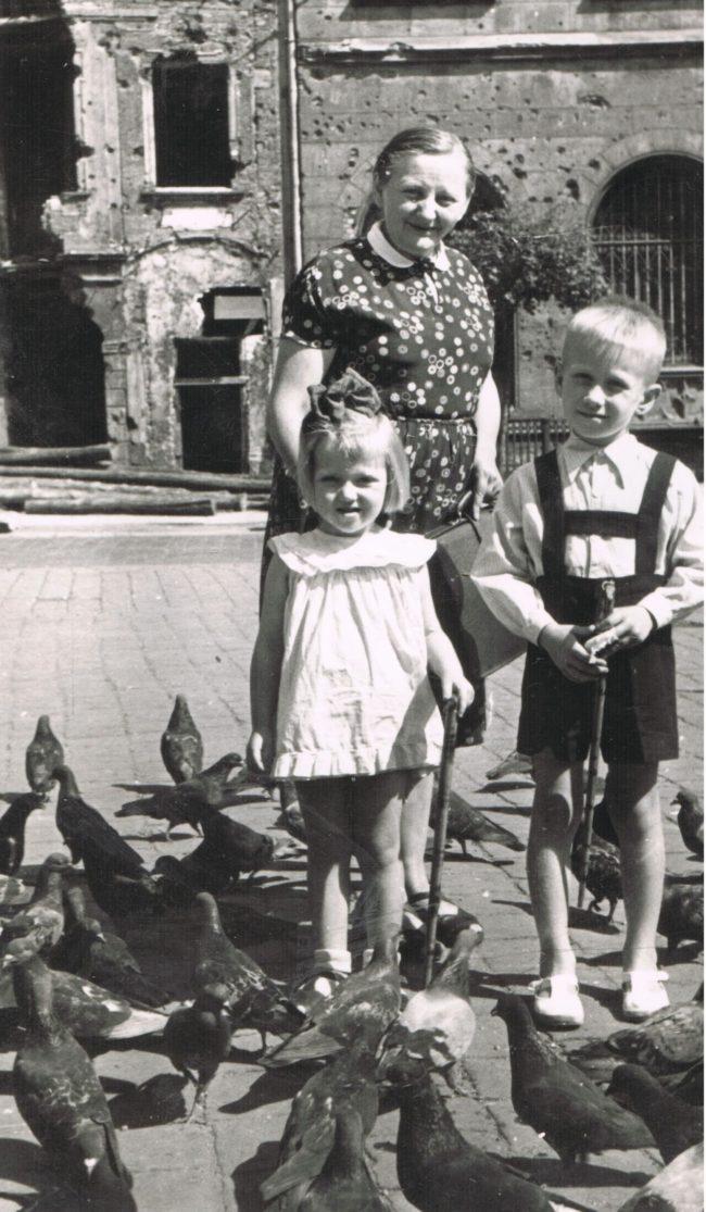 Jolanta Maria Kaleta w wieku 3 lat (fot. archiwum rodzinne Jolanty Marii Kalety)