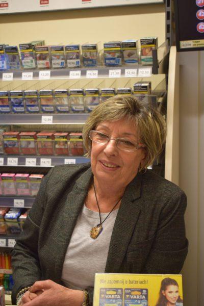 Teresa Serwata, partnerka prowadząca salonik prasowy w Kielcach