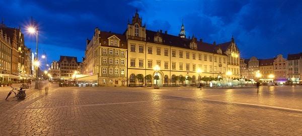 Wrocław zaprasza seniorów na spacery z przewodnikiem