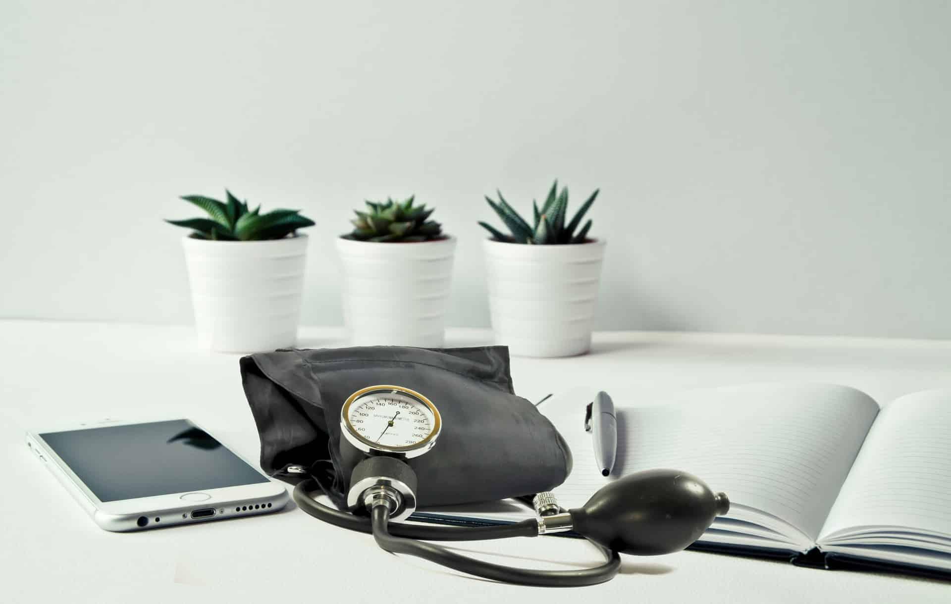Oni naciągają seniorów na usługi medyczne