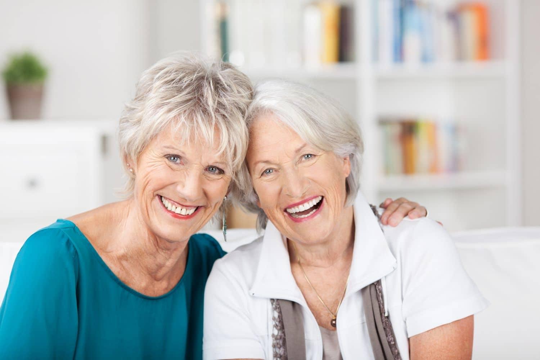 Protezy zębowe – jak rozwiązać najczęstsze problemy?