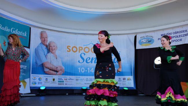 Podsumowanie Sopockich Dni Seniora - pokaz tańca w wykonaniu Szkoły Flamenco La Paloma