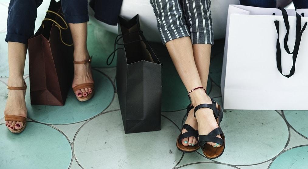 Letnie wyprzedaże – jak kupować taniej?