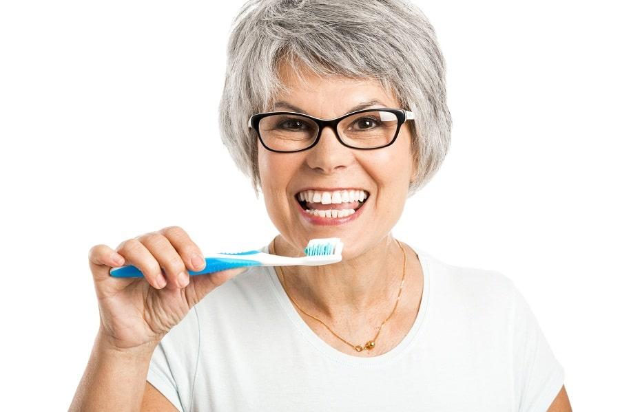 Bielsze zęby – większa pewność siebie!