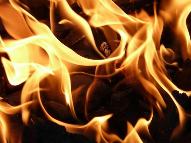 Ogień poprawi kondycję włosów?