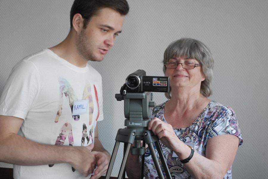 Późne debiuty – seniorzy za kamerami