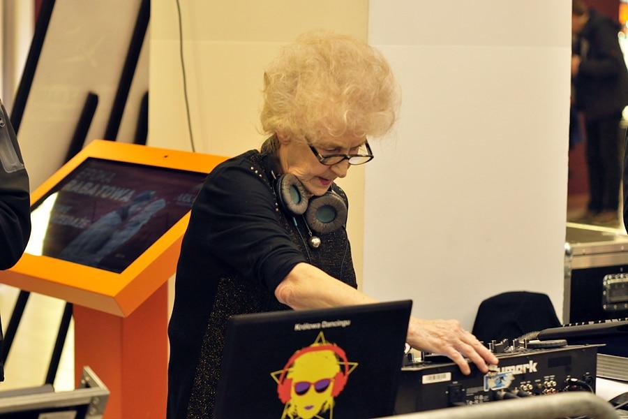DJ Wika, kosmiczna babka