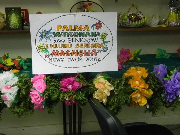 palma wielkanocna przygotowana przez seniorów z klubu Magnolia