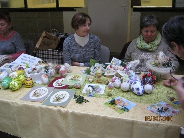 Seniorzy na imprezie Wielkanocna Baba