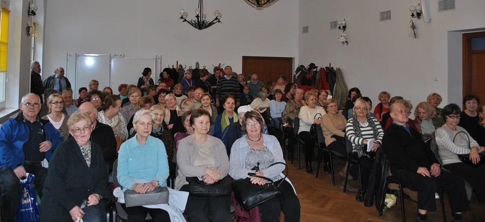 Tłumy chętnych na spotkaniach Klubu Seniora Podróżnika