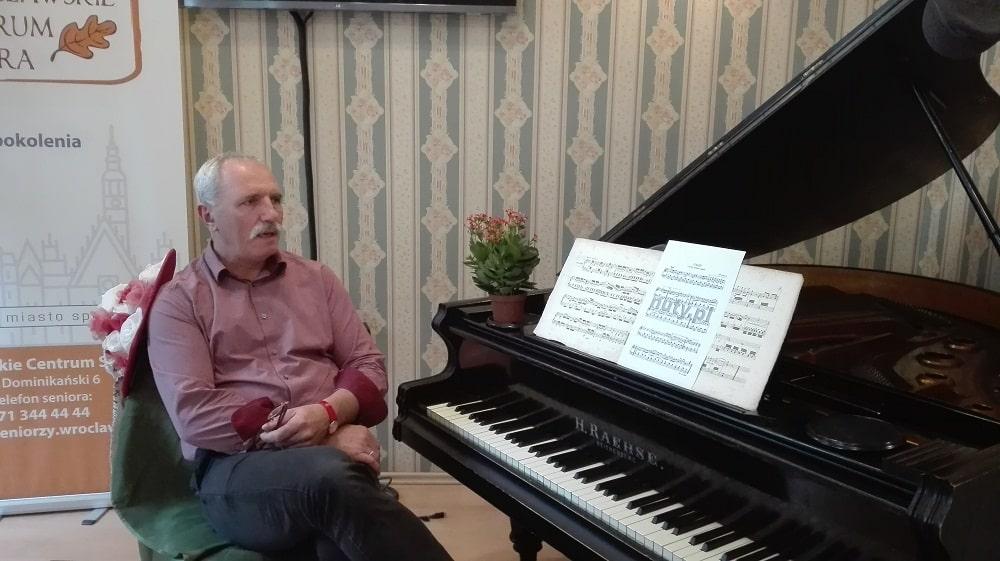 Fortepian w Centrum Seniora