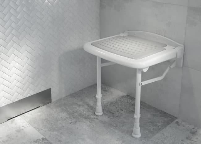 Podpowiadamy, jak wyposażyć łazienkę dla seniora (fot. deante.pl)