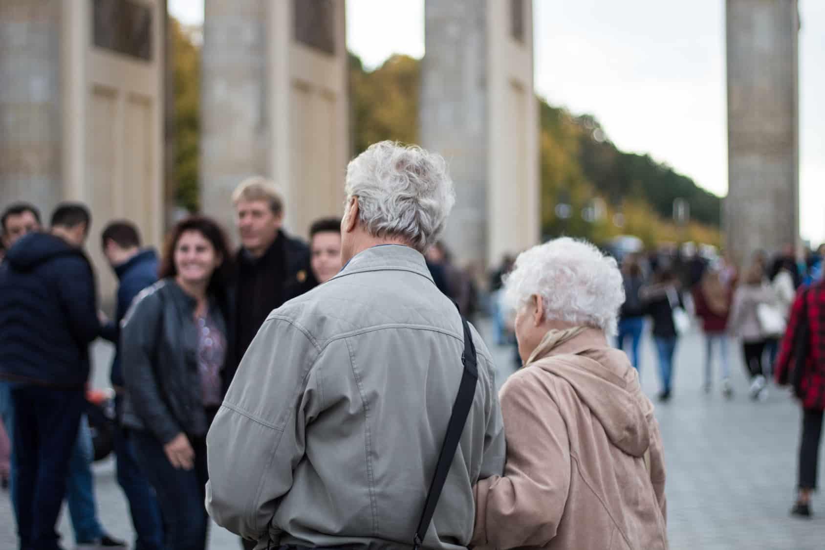 Seniorzy ruszyli w miasto, czyli patrole seniorów