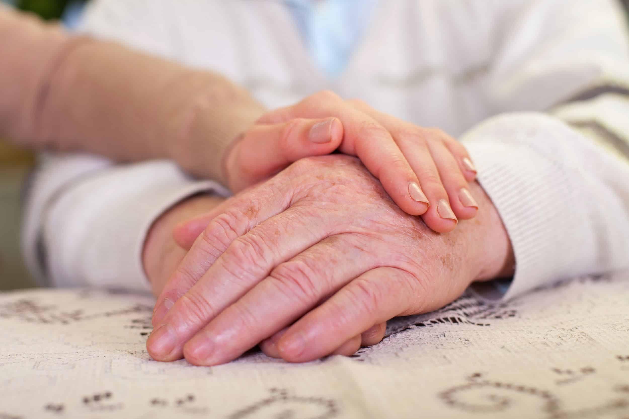 Cykl warsztatów dla rodzinnych opiekunów – AO i DPS Helców