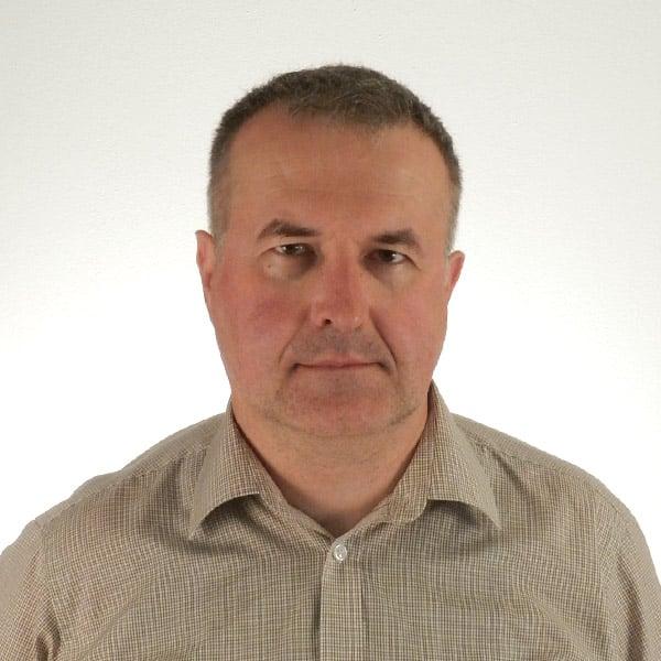 Profesor Piotr Szukalski