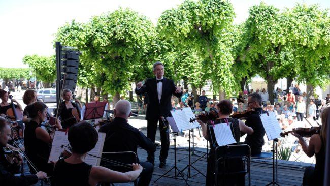 Koncert Polskiej Filharmonii Kameralnej Sopot w muszli koncertowej na sopockim molo