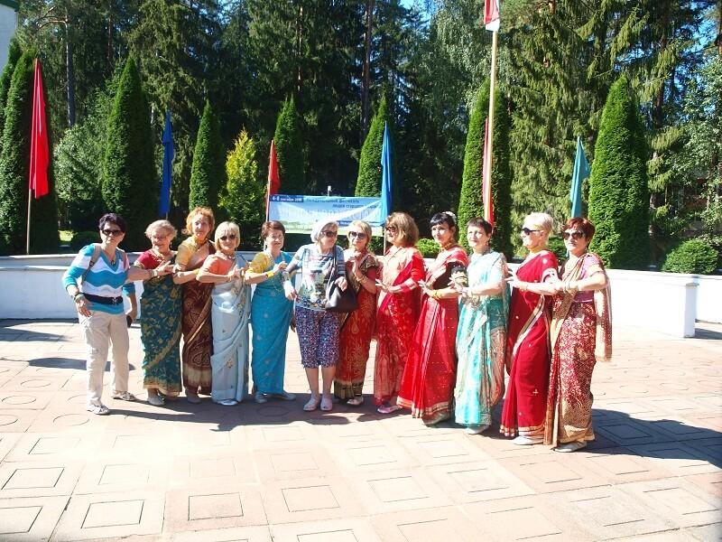 Damski Klub – grupa tańca hinduskiego z Mińska.