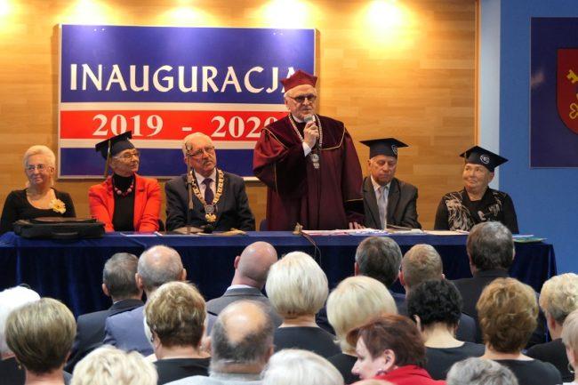 Inauguracja roku akademickiego na ostrowskim UTW
