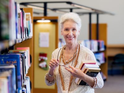 Aktywność zawodowa opóźnia u kobiet demencję