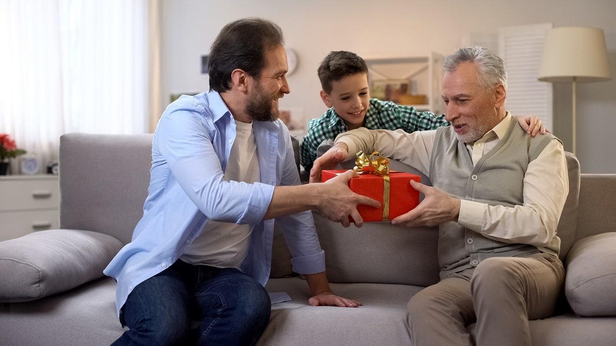 Drzewo genealogiczne, czyli idealny prezent dla seniorów rodu