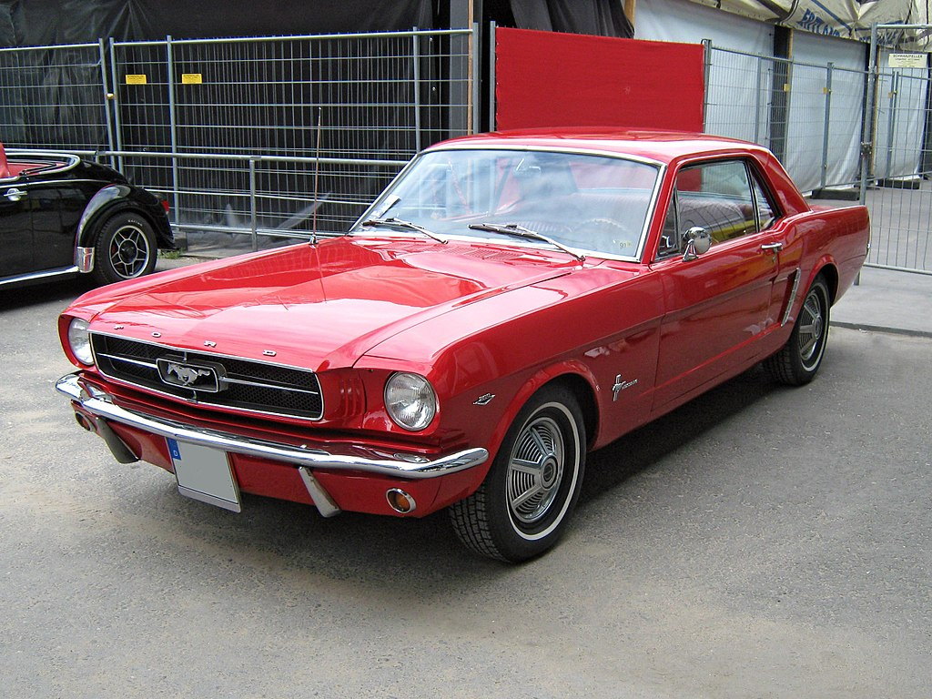 Ford Mustang I przed liftingiem