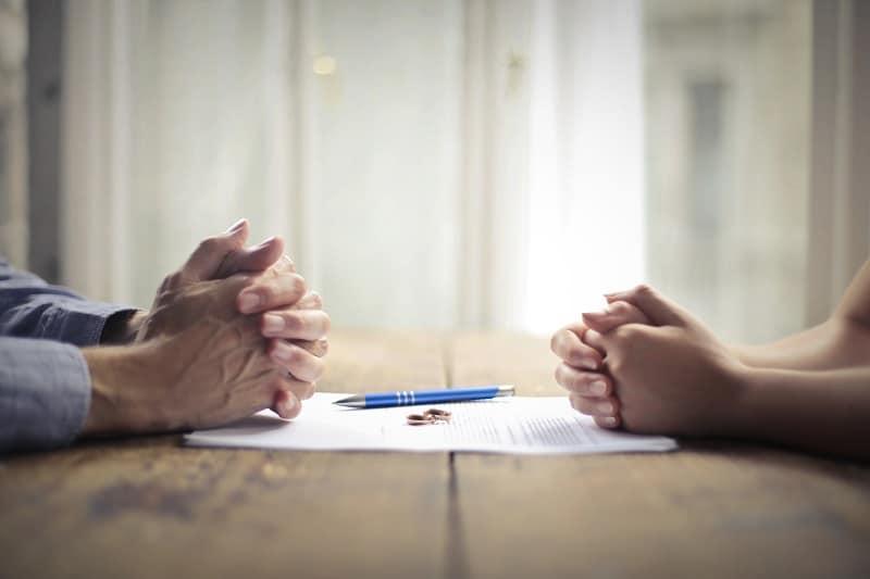 Rozwody seniorów – po co, dlaczego i z czyjej winy?
