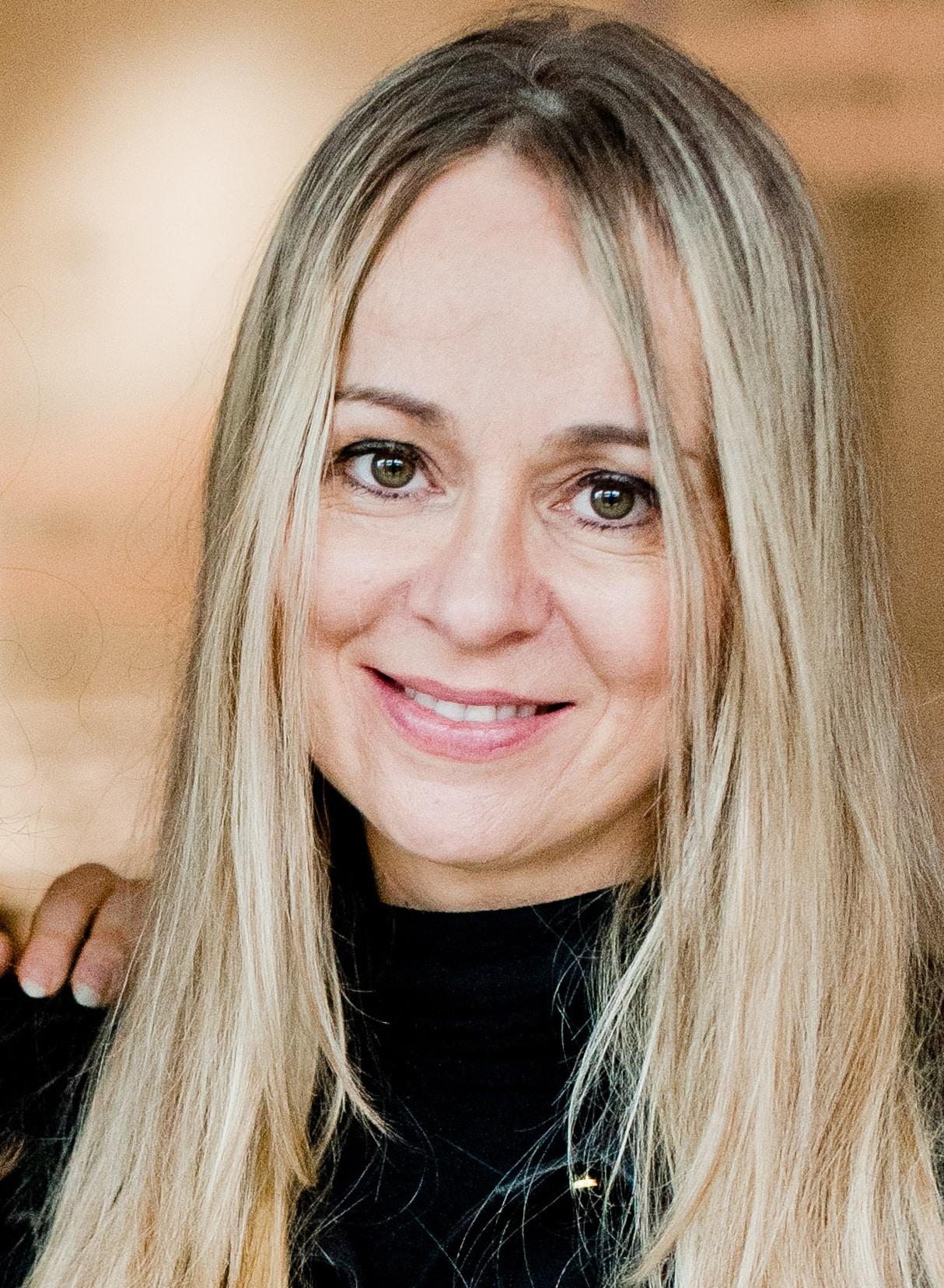 Beata Rakowska aktorka teatralna i dubbingowa opowiada o pracy z seniorami