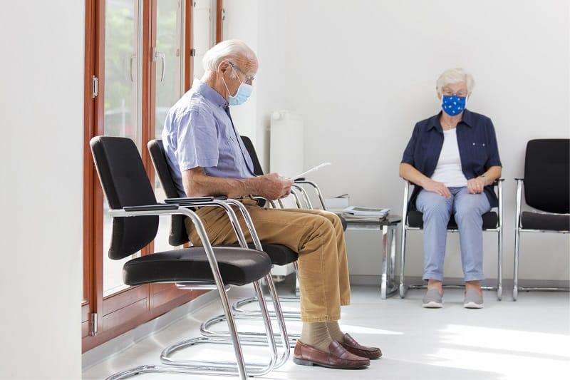 Zdrowie seniorów w pandemii RAPORT Krajowego Instytutu Gospodarki Senioralnej