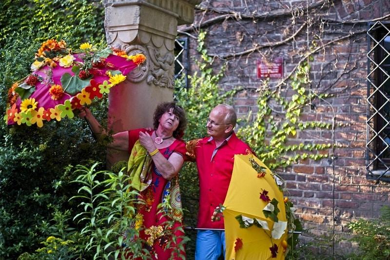 Para przy kolumnie fot Andrzej Rokosz