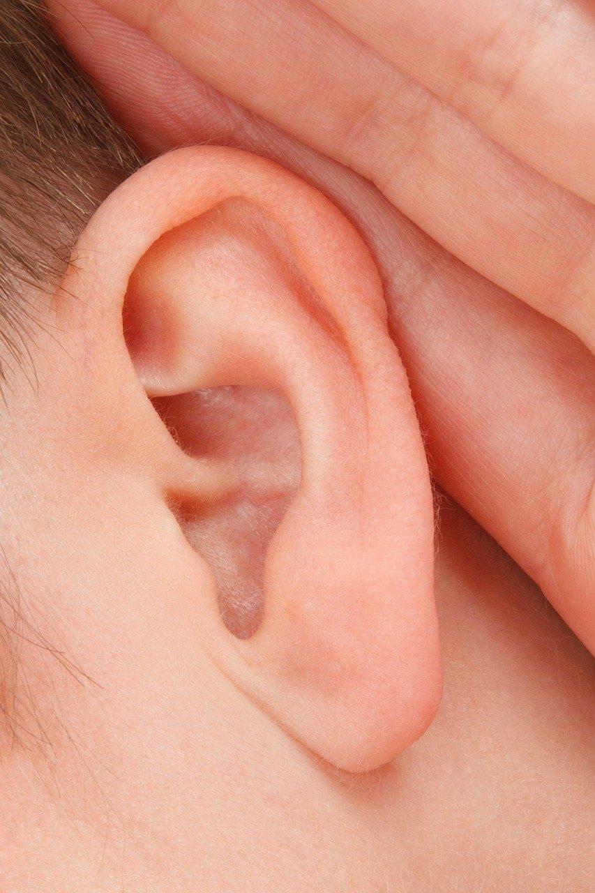 Na czym polega zabieg świecowania uszu?