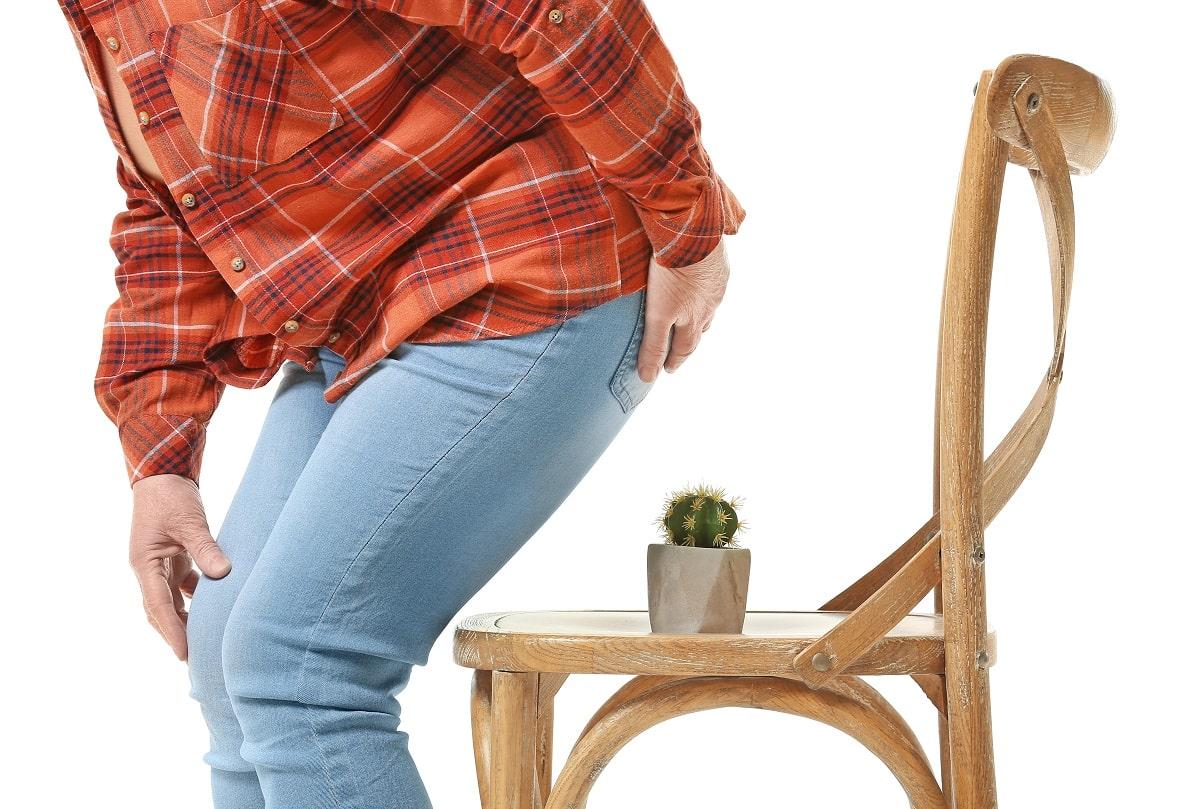 Bolesny problem – choroba hemoroidalna. Wskazówki, preparaty, bezpłatny poradnik do pobrania.