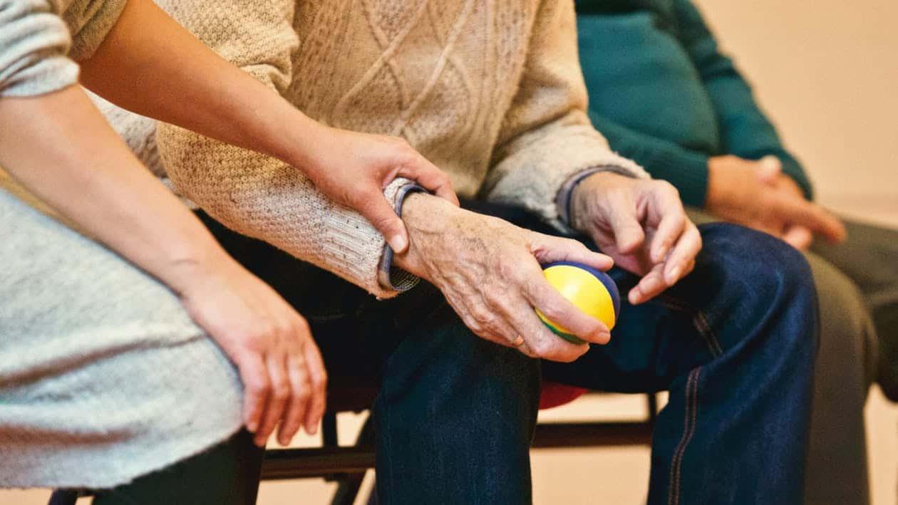 Opieka nad osobami starszymi w Niemczech – poradnik dla bliskich seniorów i opiekunek