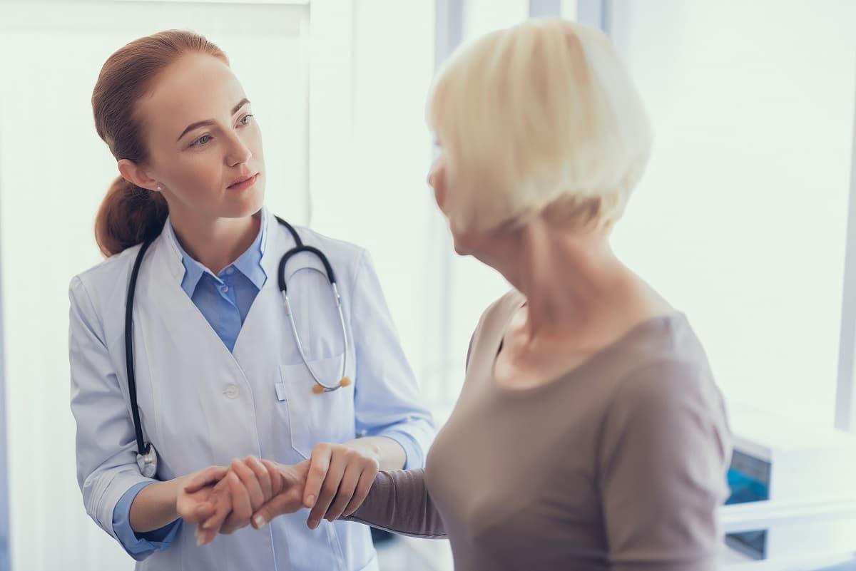 Rak jajnika – objawy, diagnostyka i leczenie
