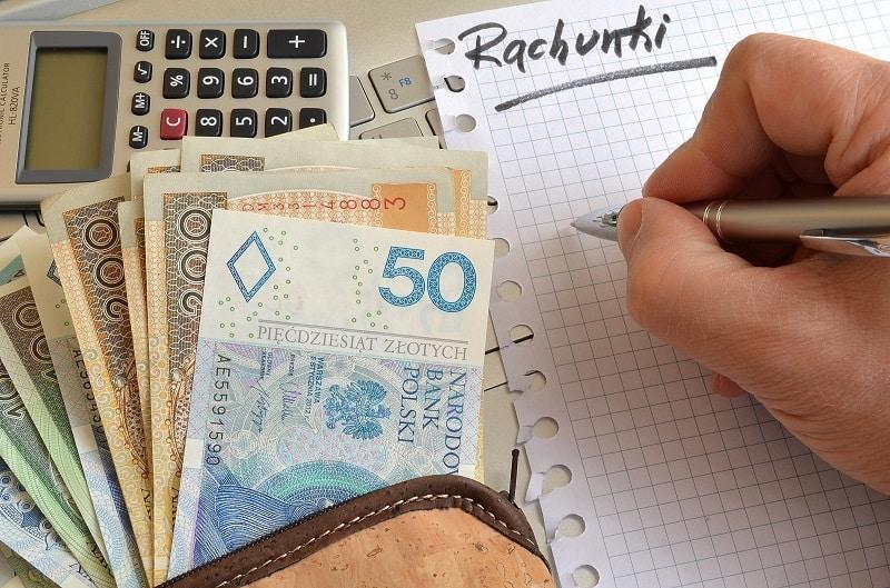 pieniądze polskie i rachunki